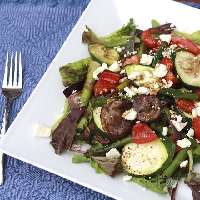 Grilled Veggie Salad: Grilled Veggie, Salads Tossed Layered Greens, Grilled Vegetable Salads, Balsamic Vinegar Dressing, Balsamic Vinaigrette, Grilled Vegetables, Roasted Veggies, Veggie Salad