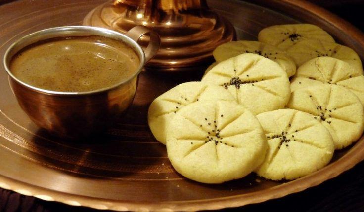 Cucina iraniana: naan berenji, biscotti alla farina di riso