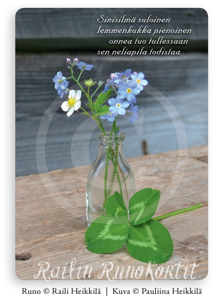 Onnenapila ja kukat pikkupullossa, Railin Runokortti