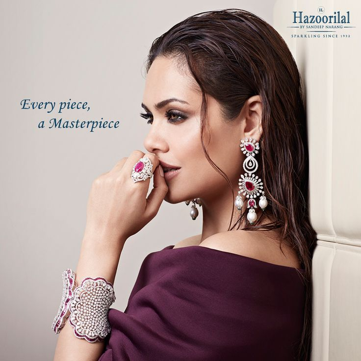 Celebrate the womanhood in you with this #diamond bracelet from Hazoorilal by Sandeep Narang, crafted to embrace the regal lady. Discover our range of products designed for the modern women.