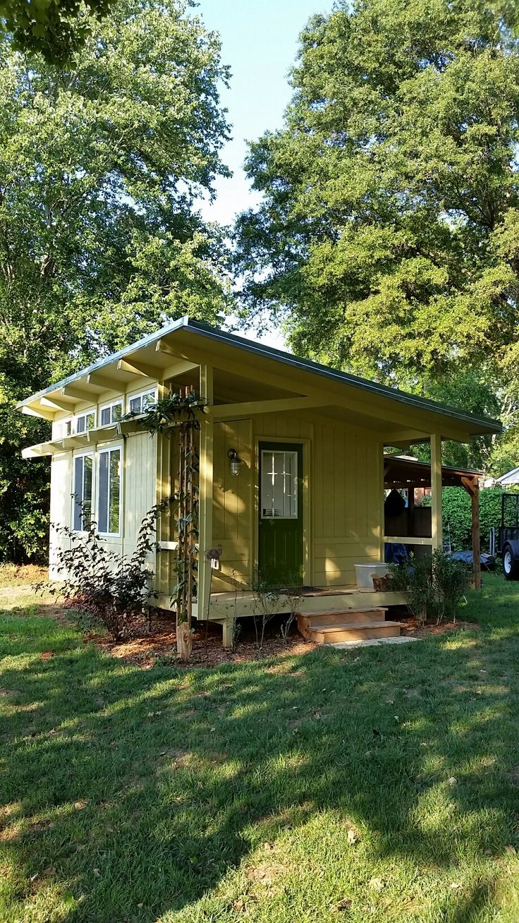 Best 25 backyard office ideas on pinterest Tiny house in backyard