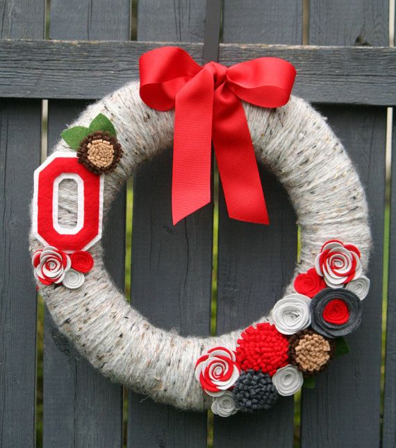 Looking for the perfectly unique gift for that football fan? Our Buckeye Wreath is perfect!  A 14 wool yarn covered wreath (on a straw base)