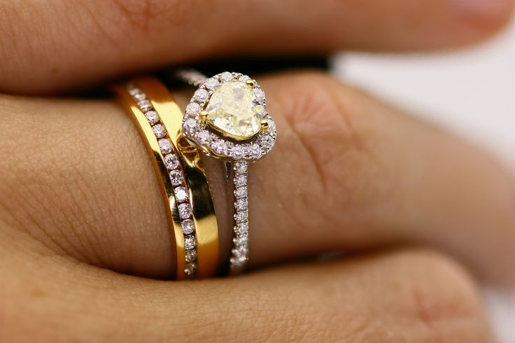 This two-tone wedding and engagement set is so delicate and pretty! Both rings look amazing together or separately- or you can mix and match! Shop here: www.gilletts.com.au