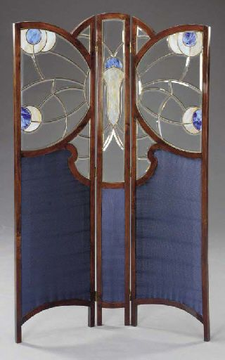 A LEADED GLASS AND STAINED OAK THREE-PANEL SCREEN WIENER MOSAIC WERKSTÄTTE, ATTRIBUTED, CIRCA 1905