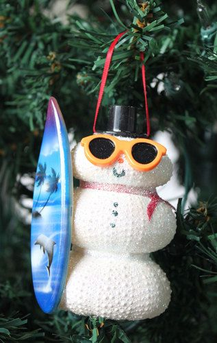 A new twist surfer twist to our White Sea Urchin Snowman Chirstmas Ornament is hand-crafted by California Seashell Company and make great tree decorations, stocking stuffers, package toppers or gifts for teachers and the office.