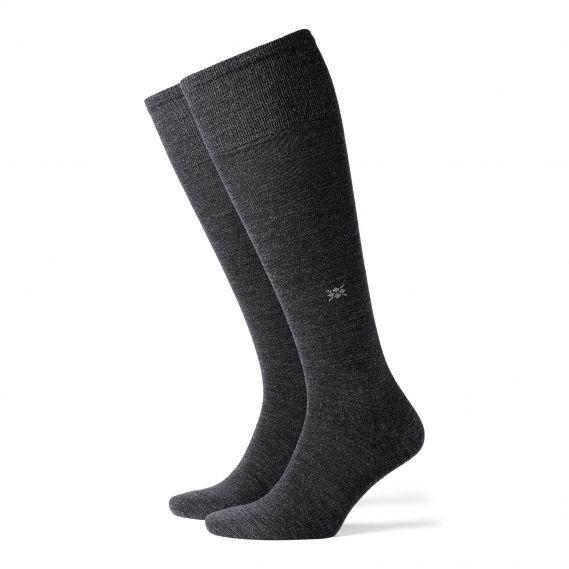 Los calcetines Burlington Leeds, HASTA LA RODILLA llevan el exterior de LANA e interior de ALGODÓN. Finos, muy cómodos y confortables. Envíos 24/48h. http://www.varelaintimo.com/94-calcetines-de-lana