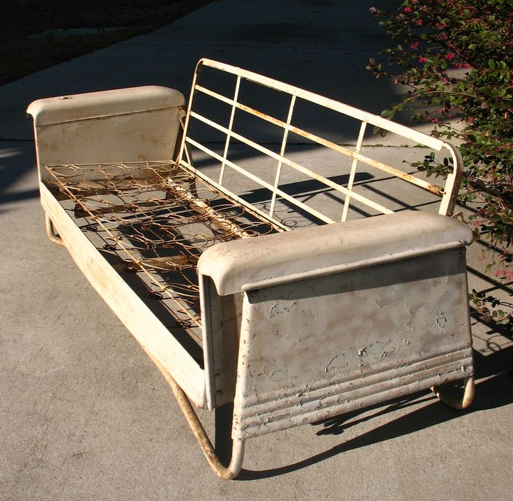 Auto Inspired...with Ashtray! Vintage PorchYard FurnitureMetal ...