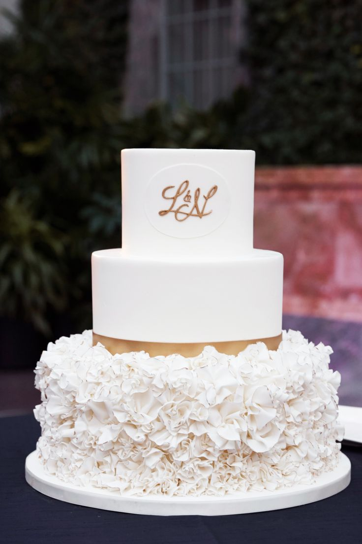 White and Gold Round Wedding Cake with a custom monogram by @ccpaper // Photo: Dennis Lee Photography