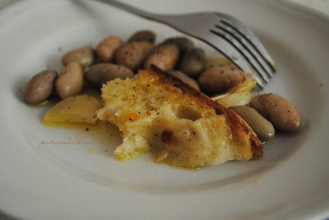 Pane, burro e alici: La semplicità dei fagioli borlotti all'aglio, olio e peperoncino