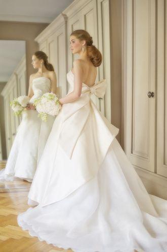 アントニオリーヴァ ドレスの写真・フォトギャラリー シンプルなドレスにバックのリボンが華やぎを添えて