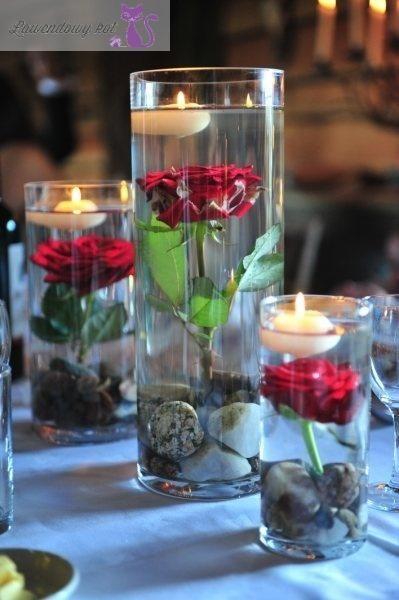 Dekoracja stołu - róża w wodzie, świeczka - pomysły i inspiracje -  Lawendowy Kot