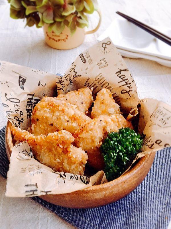 鶏の唐揚げはよく作りますが 今回は衣にパン粉を入れて ザックザクの食感の 鶏の唐揚げを作ります(*^_^*) 今日は鶏胸肉で作りましたが・ 鶏もも肉でもおいしいと思います(≧∇≦)