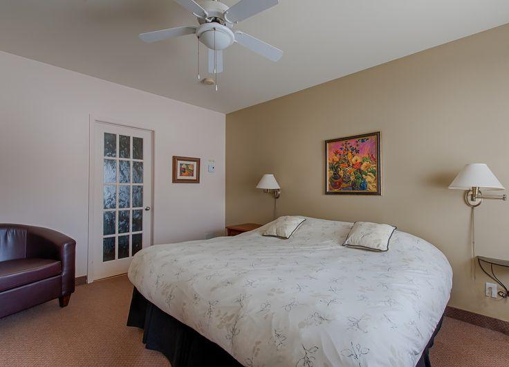 #54 Kaufman Pavillion --- Regular room --- Chambre régulière.