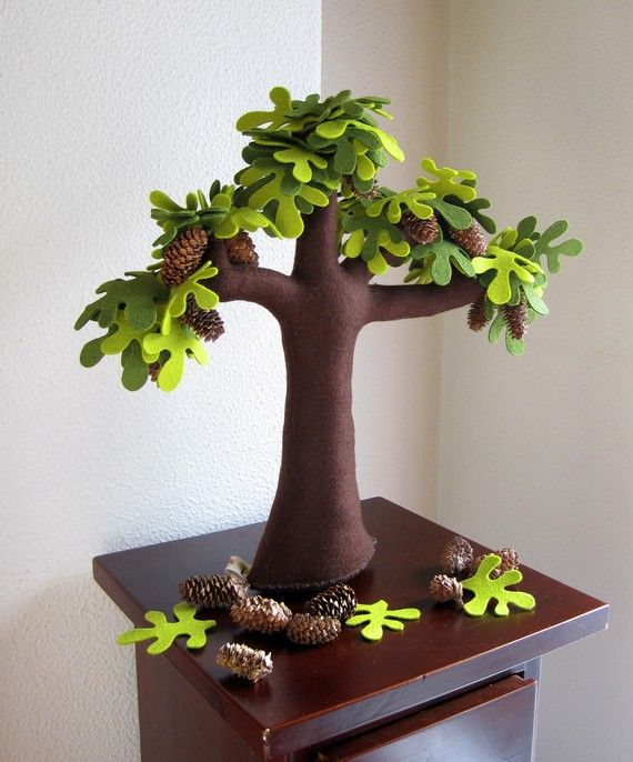 love this felted tree.