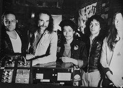 23-трековая компиляция песен экспериментальной немецкой рок-группы Can под названием «Can: The Singles», включающая редкую песню «Turtles Have Short Legs», будет выпущена 16 июня 2017 года лейблом Mute/Spoon Records. Песня «Turtles Have Short Legs» была третьим синглом группы и вышла в 1971...