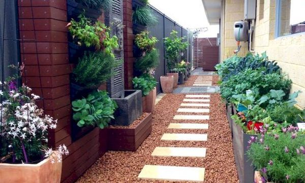 40 Stunning Side Yard Garden Design Ideas Side Yard Landscaping