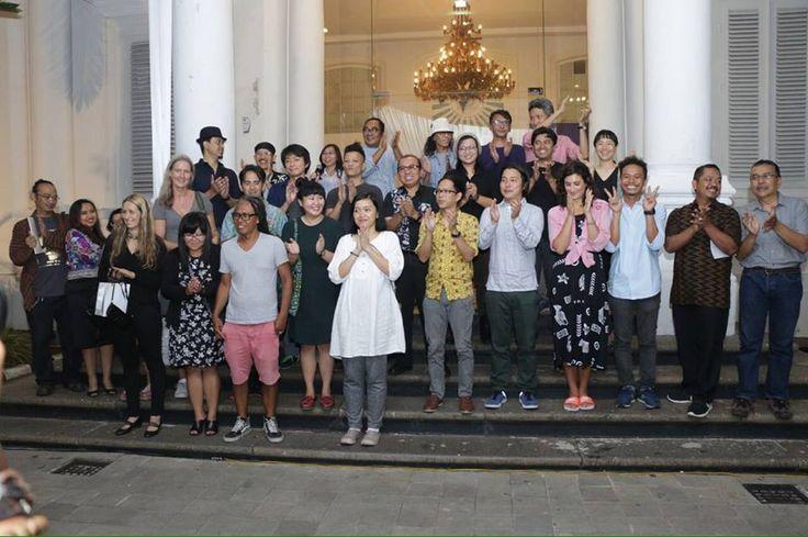 Rifky Effendy took a the 4th JCCB 2016 www. jccbindonesia.org in Path on Path. 9 hrs ·    #latepost the 4th JCCB 2016 open officiated by artists and organiser. #jccb4 #waysofclay #contemporaryceramics #biennale2016 #galerinasionalindonesia — with Eddi Eddi Prabandono, Ryota Shioya, Angie Seah, Richard Streitmatter-Tran, Nadya Savitri and Uji Hahan.