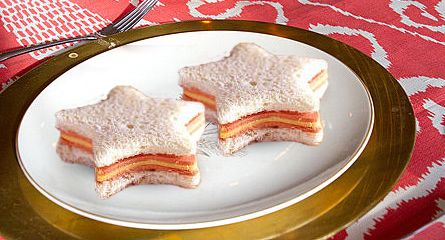 All star sandwiches - Friendly-Finger Food Ideas for Kids Birthday Parties