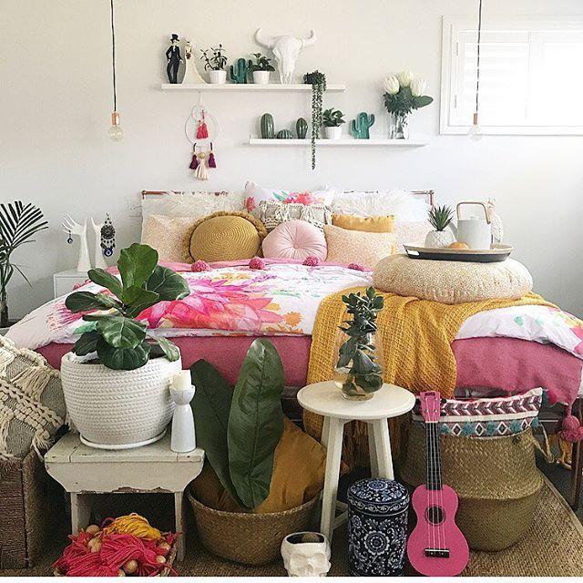 P I N K 💕🐨 . . #bohobedroom #homedecor #interior4all #interior4you #interior444 #inspiremeinterior #inspiremehomedecor #homecrush #bedroominspo #bedroomgoals #dream_interior #lovemyhome #interior4ever #lifestyle #interior_delux #bohostyle #cockatoo #jungalo...
