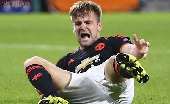 Manchester United's Luke Shaw must respond to Jose Mourinho criticism, says Gary Neville