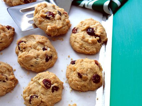 White Chocolate, Cranberry, and Macadamia Nut Cookies: Desserts, Chocolates, Cranberry Cookies, Food, White Chocolate, Cookies Recipe, Cranberries, Macadamia Nut Cookies