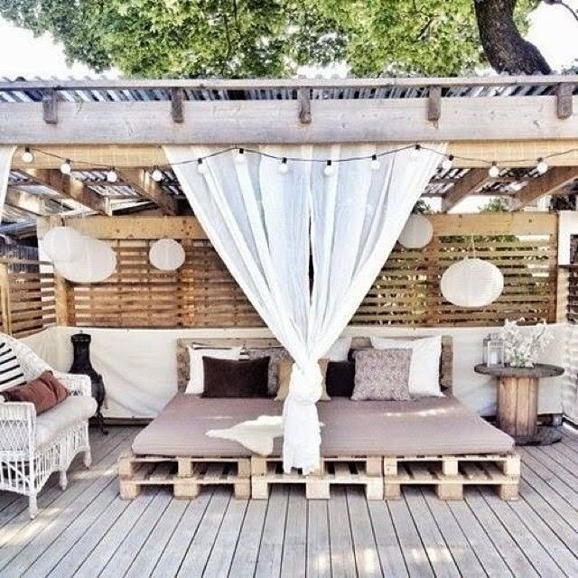 ... more terasse idea outdoor living balcony curtain pallet daybed outdoor