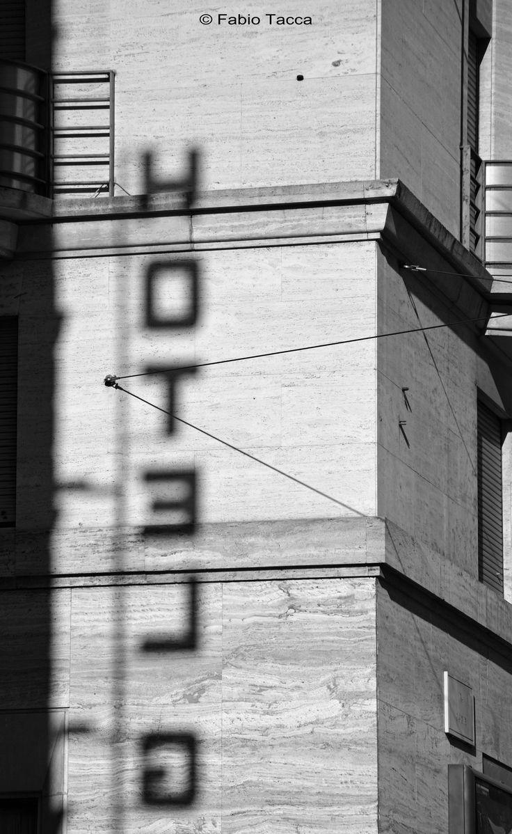 https://flic.kr/p/BoD5Ls   Morrison Hotel   Roadhouse Blues dei Doors nella testa... Via Cavour, Roma