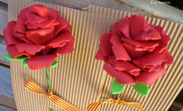 """[gallery type=""""square"""" ids=""""1844,1847″] Chic@s!!!!! Después de la resaca de rosas y libros de ayer, hoy toca ver las rosas y los puntos de libro que hice para la ocasión."""