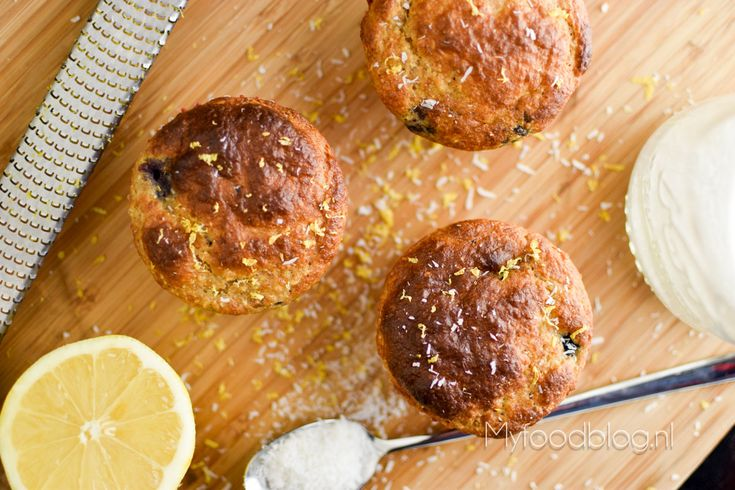 Gezonde muffins // muffins met citroen, blauwe bes en kokos // recept // zonder pakjes en zakjes // ontbijtmuffins // gezond tussendoortje // myfoodblog.nl