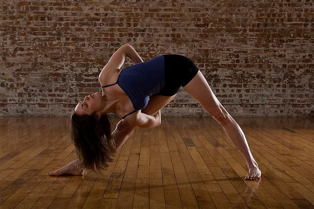 .Side Angled, Bound Triangles, Yoga Poses, Philip Payne, Asana Meditation, Yogi Yogapose, Yogapose Ashtanga, Meditation Namaste, Ashtanga Asana
