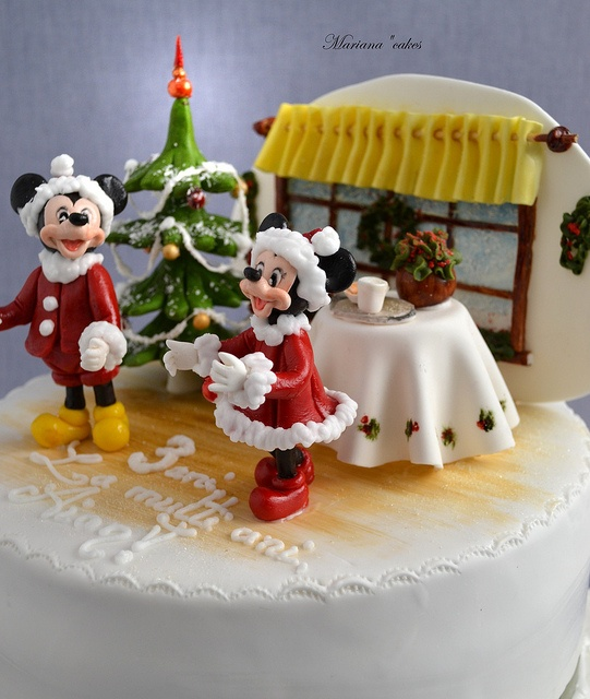Mickey and Minnie Christmas Cake.  Perfect for a Christmas birthday!