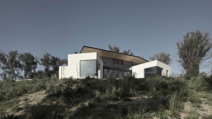 Hillside Habitat - Edwards Moore, Architects, Melbourne