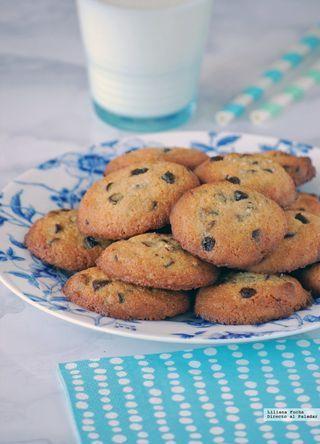 Esta receta de galletas de avena y manzana sin huevo, azúcar y lácteos me la pasó una amiga diciéndome que seguro que me gustaba y no se ha equivocado. La receta original es de la Dra. Odile Fernández