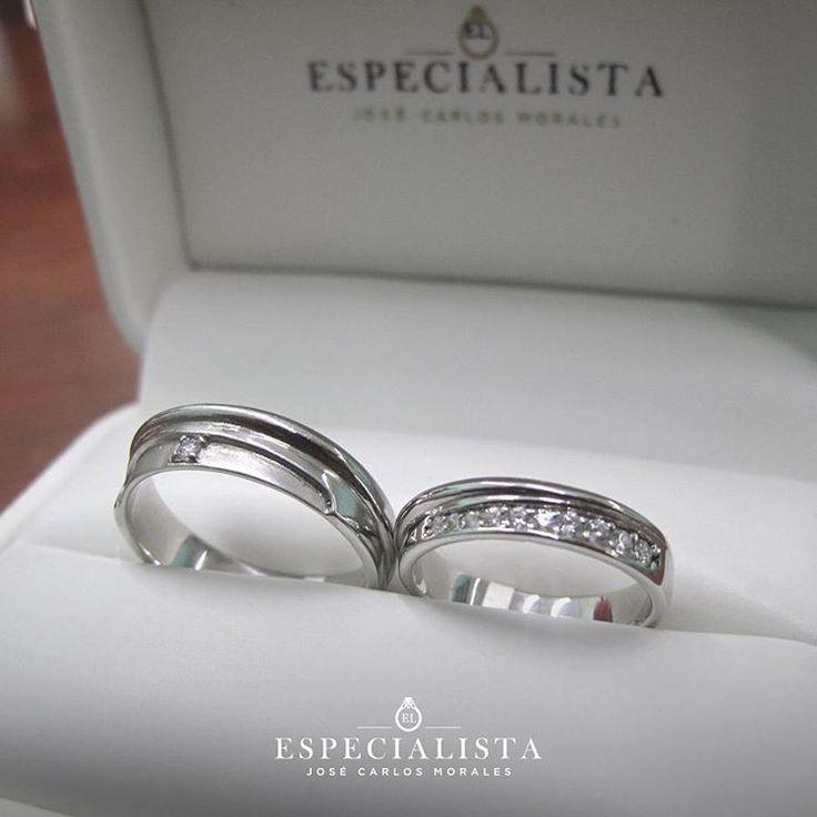 ¡Sabemos que quieres que tus argollas sean especiales!. ¿Qué te parece este modelo? Oro blanco de 14 Kilates. Modelo B46LQ. Precio por par $10,800.00 Disponibles en tienda. Envio asegurado a cualquier parte del país. 01(667)2581151 Cel. 6672060408 WhatsApp clientes@argollas.com.mx #engagementring #weddingbands #argollasdematrimonio #jewelry #engaged #diamondsareagirlsbestfriend #diamonds #jewel #anillodecompromiso #engaged #wedding #novios #love #amor #joyeria #whitegold #handmade #sinaloa…