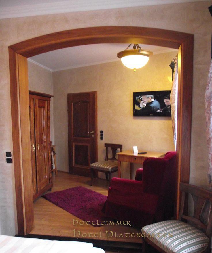 Hotelzimmer Hotel Platengarten mit Biedermeier Möbel, Ansbach, Bayern,Franken, zwischen Rothenburg o.T. Nürnberg, Dinkelsbühl #hotel #ansbach #zentral  #romantisch #denkmal #historisch mit Comfort!