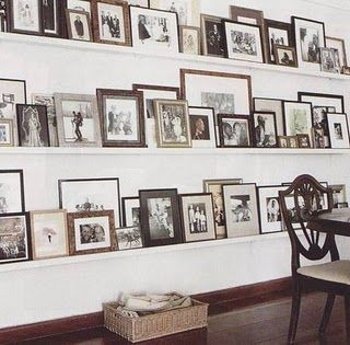 Photo wallIdeas, Dining Room, Frames, Gallery Walls, India Hicks, Photos Wall, Families Photos, Photos Display, Pictures Wall