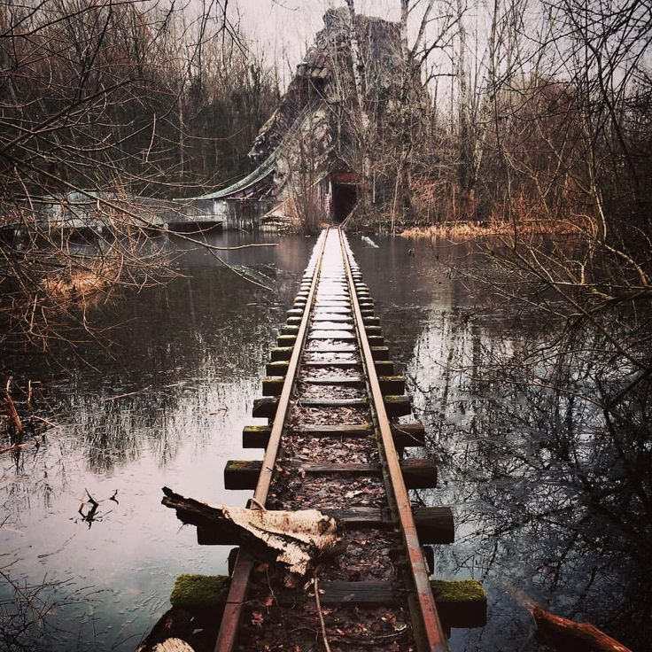 #spreepark #berlin #snow #ice #winter #abandoned #creepy