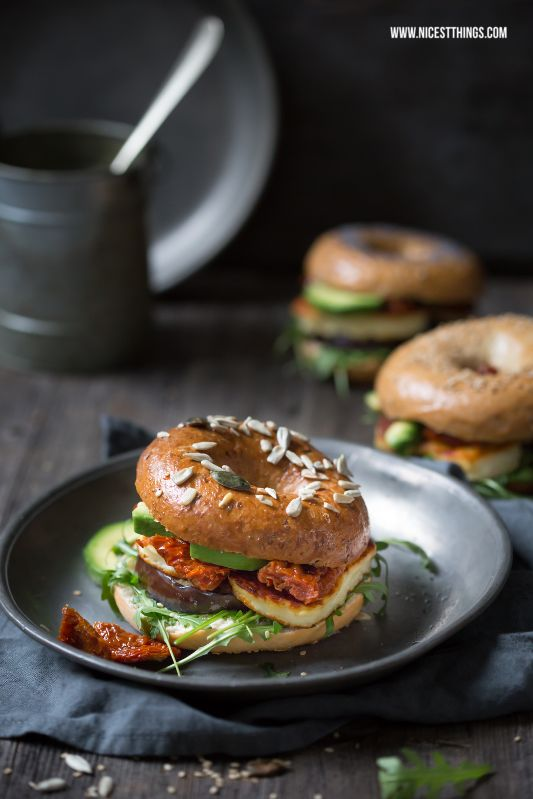 Halloumi Bagels & Mystic Light Food Photography Tutorial