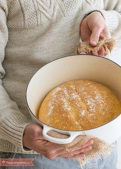 Cómo hacer pan de pueblo en pocos minutos   https://lomejordelaweb.es