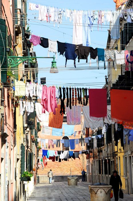 washing lines in Venice