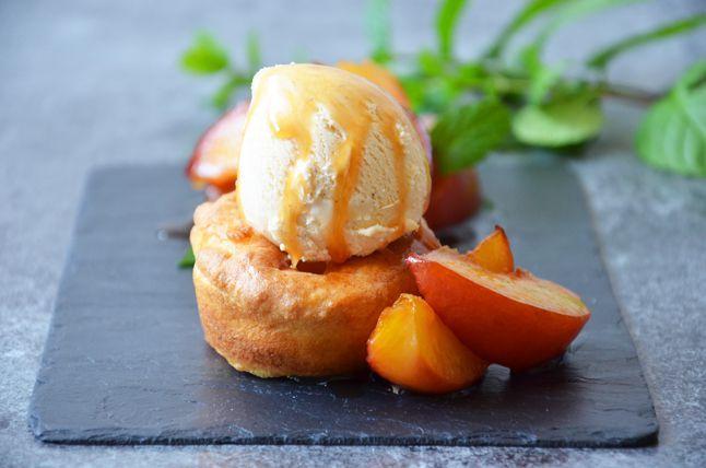 Kublanka vaří doma - Yorkshirský pudink s karamelizovanými nektarinkami a vanilkovou zmrzlinou