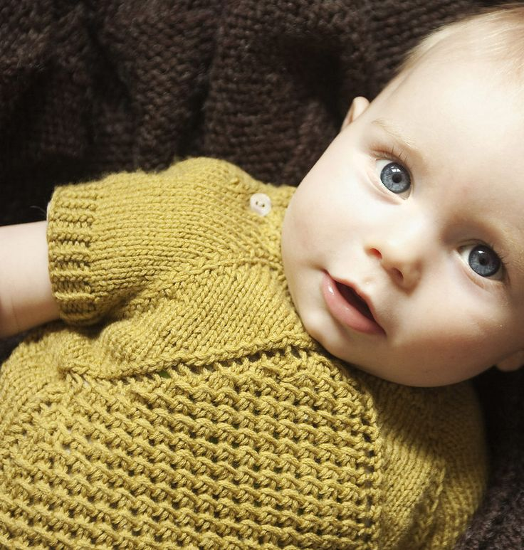 Free Knitting Pattern for Morpheus Baby Pullover - This baby pullover tee is knit top down from the collar and has buttons on the shoulders for easy dressing. Sizes 3 months, 6 months, 1 year, 2 years. Designed by Yarn Madness. Available in English and Swedish