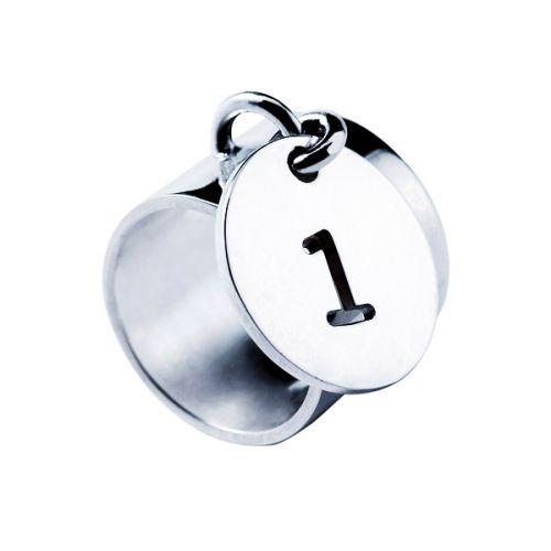 Bague Médaille Chiffre évidé | Marc Deloche | 140€ | Chiffre : n°5