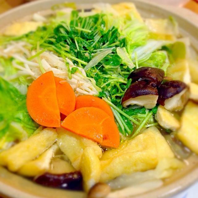 シメは、うどんで( •ॢ◡-ॢ)-♡ - 10件のもぐもぐ - 塩麹で鶏なべ by ibufu