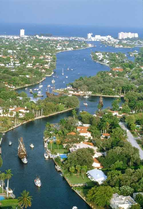 The New River running centrally through Fort Lauderdale.