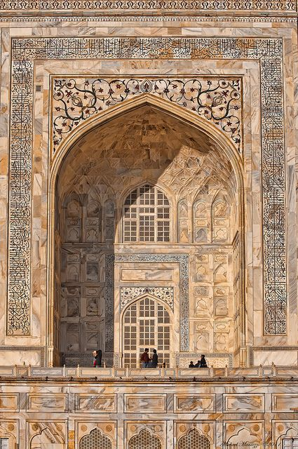 UNESCO World Heritage Site ~ architectural details on the Taj Mahal, Agra, Uttar Pradesh, India.  Photo: Michael Maniezzo via Flickr