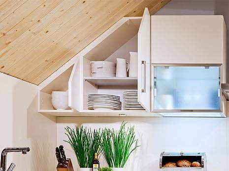 Die Besten 25+ Küche Dachschräge Ideen Auf Pinterest Küche   Tuersysteme  Kuechenoberschraenke Platzsparend