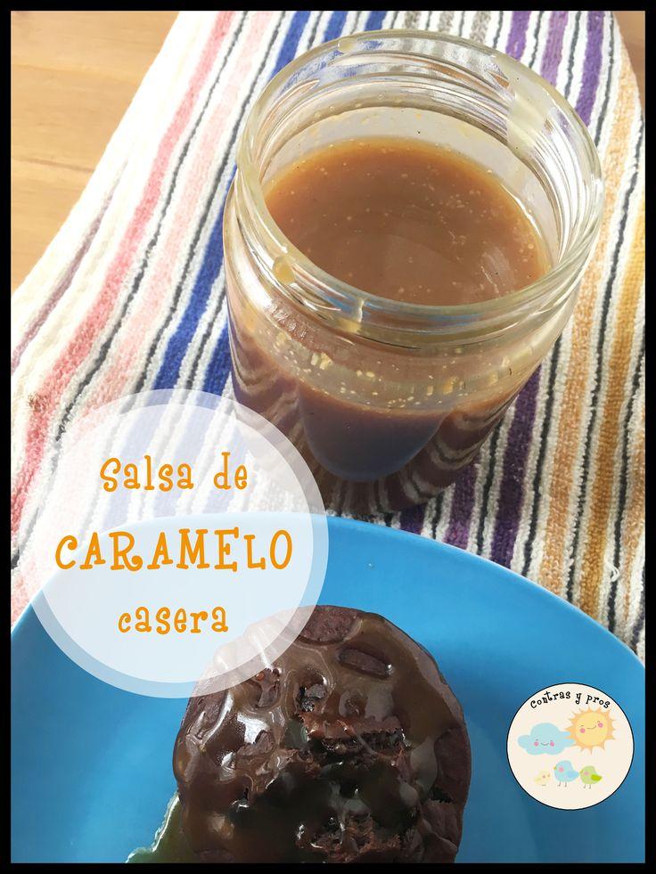 Receta de salsa de caramelo casera. Ideal para acompañar, rellenar y decorar postres.
