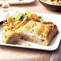 [4a] Hoofdgerecht vis : Krokante bite - Zalm met bieslookroomkaas in bladerdeeg - Serveer er wat gestoomde groenten of salade en evt. wat aardappeltjes bij.