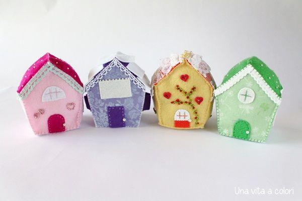 Case in miniatura, decorazioni in feltro